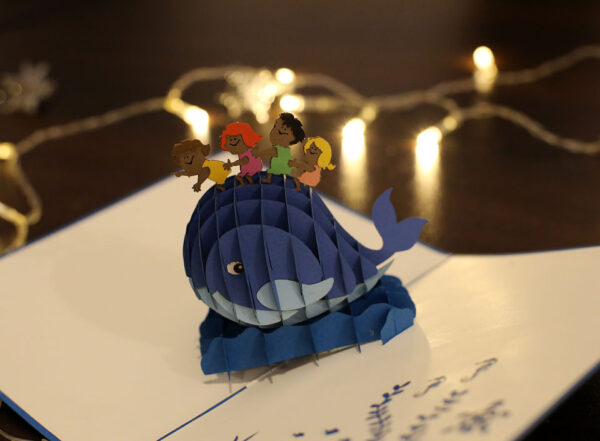 Baleine et enfants-carte Pop Up 3D chez cartepopup.com